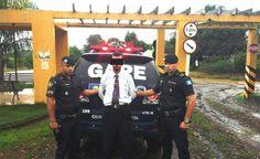 GAPE prende pastor procurado por estelionato no Bairro da Mina - Imagem: Divulgação Guarda Municipal  Na tarde desta sexta-feira (27), o inspetor Pichinin e os guardas civis municipais Nogueira e Lourenço do Grupo de Ações Preventivas Especiais (GAPE), efetuaram a prisão de um homem de 39 anos no bairro da Mina em Botucatu.  Segundo consta em boletim de - http://acontecebotucatu.com.br/policia/gape-prende-pastor-procurado-por-estelionato-no-bairro-da-mina/