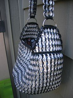 Black Tote by Pop Top Lady, via Flickr