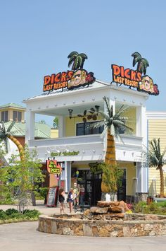 Dick's Last Resort at the Island in Pigeon Forge