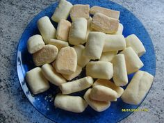 Receita de Bolachinhas de Nata My Recipes, Sweet Recipes, Cookie Recipes, Dessert Recipes, Desserts, Biscuit Cookies, Cake Cookies, Brazillian Food, Cooking Cookies