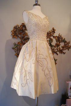Xtabay Vintage Clothing Boutique - Portland, Oregon: Serving Suggestions...