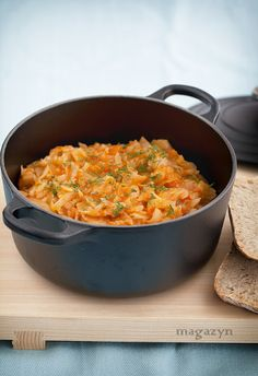 Zasmażana kapusta z pomidorami (skip the butter) Low Calorie Recipes, Healthy Recipes, Polish Recipes, Polish Food, Fried Cabbage, Dinner Sides, Soups And Stews, Macaroni And Cheese, Side Dishes