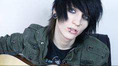 "Johnnie Guilbert - ""Song Without A Name"" LIVE"