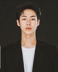 Korean Male Actors, Handsome Korean Actors, Asian Actors, Actors Male, Boy Photography Poses, Digital Photography, Jae Suk, Yoo Yeon Seok, Joo Hyuk