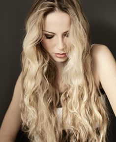 Long Blond Hairstyle with Beachy Waves