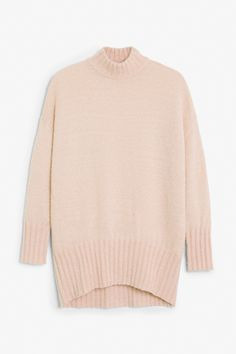 http://www.monki.com/fi/View_all_clothing/Cosy_knitted_sweater/21310688-29827478.1#c-49930