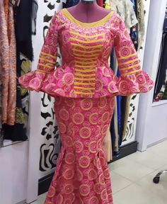 Stunning Lace Skirt and Blouse Styles You Need for Weddings.Stunning Lace Skirt and Blouse Styles You Need for Weddings African American Fashion, African Fashion Ankara, Latest African Fashion Dresses, African Dresses For Women, African Print Dresses, African Print Fashion, African Attire, African Wear, Lace Skirt And Blouse