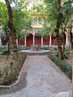 The Renaissance Cloister Courtyard at the Centre del Carme. Follow this link to find out more: http://mikestravelguide.com/things-to-do-in-valencia-visit-the-centre-del-carme/