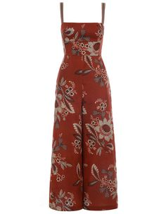 Explore the latest collection of women's designer resort wear jumpsuits & playsuits with ZIMMERMANN. Casual Dress Outfits, Modern Outfits, Classy Outfits, Stylish Outfits, Kaftan Designs, Batik Fashion, Fashion Sewing, Australian Fashion Designers, Pretty Prom Dresses