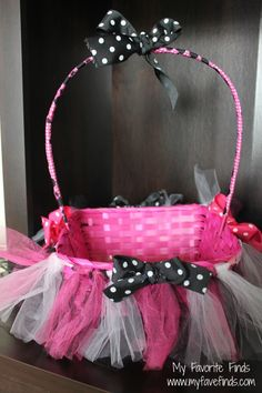 Minnie Easter basket, could totally make one of these Abby Cadabby style...