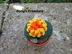 Dony's Creations by Donatella Saralli : Pianta Sasso con fiore giallo _ pattern free italiano