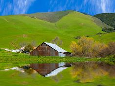 Barn in reflection -- Nifty Old Barns