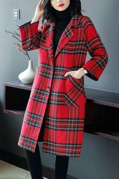 A Complete Guide to Choosing The Perfect Coat That Complements Your Taste This Season - Best Fashion Tips Plaid Coat, Red Plaid, Wool Coat, Scottish Dress, Munier, Mode Plus, Stylish Coat, Coat Dress, Coats For Women