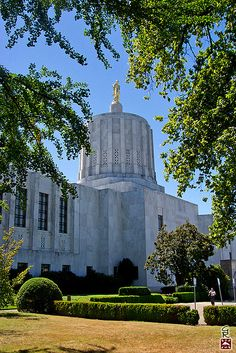 Oregon State capitol, Salem, Oregon.