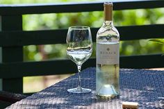 One of our favorite rituals on each of our wine country getaways is to have a picnic in the vineyards. We find it so relaxing and rejuvenating. Wine Photography, Tasting Room, Santa Barbara, Wine Country, White Wine, Vineyard, Alcoholic Drinks, Picnic, Glass