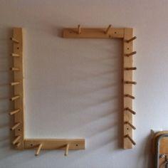Warping Board and Bobbin Rack - low budget equipment Inkle Weaving, Weaving Tools, Inkle Loom, Tablet Weaving, Loom Knitting Patterns, Knitting Yarn, Art Du Fil, Textiles, Tapestry Weaving