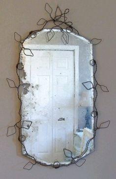 Frameless mirror wrapped in wire Old Mirrors, Vintage Mirrors, Frameless Mirror, Mirror Mirror, Vanity Mirrors, Mirror House, Sunburst Mirror, Art Fil, Wire Hangers