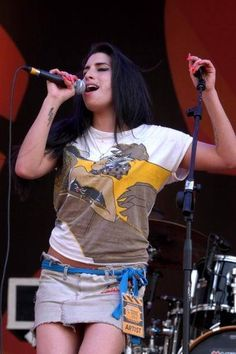 Amy at Cornetto Free Music Festival, Milan, Italy - 30 May 2004 (on my birthday :)