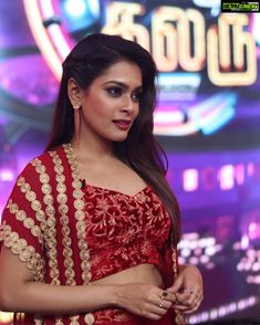 Keerthi Shanthanu is an Indian Anchor, who is working in Tamil television industry. She was born in Chennai, Tamil Nadu. Keerthi made her debut in the Tamil All Indian Actress, Indian Actress Gallery, Indian Actresses, Trisha Actress, Exotic Women, Saree Blouse Designs, Hd Photos, Anchor, Beautiful People