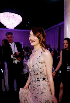 Emma Stone attends the 74th Annual Golden Globe Awards at The Beverly Hilton Hotel on January 8, 2017 in Beverly Hills, California.
