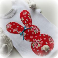 . Applique Quilts, Embroidery Applique, Diy Couture, Baby Needs, Hand Sewing, Sewing Crafts, Little Girls, Sewing Patterns, Projects To Try