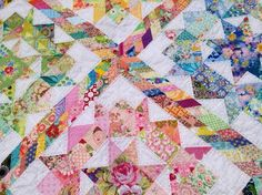 Scrappy Swoon Quilt by Dee's Doodles Star Quilts, Scrappy Quilts, Baby Quilts, Quilt Blocks, Star Blocks, Quilting Tutorials, Quilting Projects, Sewing Projects, Quilting Ideas