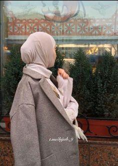Girl Hijab, Hijab Outfit, Muslim Fashion, Hijab Fashion, Marilyn Monroe Outfits, Teen Girl Photography, Head Scarf Styles, Muslim Beauty, Hijab Chic