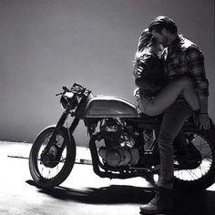 Honda Love ;) #motorcycle #motorbike #love #couple #realtionship #custombike #caferacer #men #woman #honda #kiss