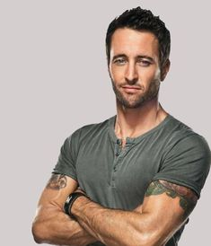 Alex O'Loughlin I love love love him on Hawaii five O