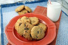 Keto Chocolate Chunk Cookies #glutenfree #grainfree #lowcarb #keto #LCHF