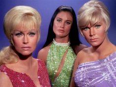Oh the girls of Star Trek
