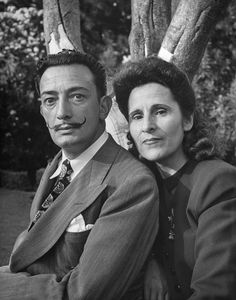 Salvador Dali (1904 - 1989) with his wife Gala, 1945. // Photo by Martha Holmes.