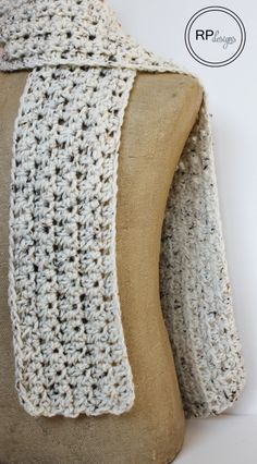 Simple Beginner Scarf - Free Crochet Pattern // From Rescued Paw Designs