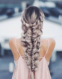 Here is all the cute braided hairstyles inspiration you need. Do not miss these ideas of pull through and double braids, braided half up half down dos. Cute Braided Hairstyles, Unique Hairstyles, Pretty Hairstyles, Hairstyle Ideas, Wedding Hairstyles, Hairstyles 2018, Fishtail Hairstyles, Quinceanera Hairstyles, Bridesmaid Hairstyles