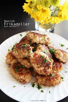 Frikadeller (Danish meatballs) || recipe by DiepLicious.com