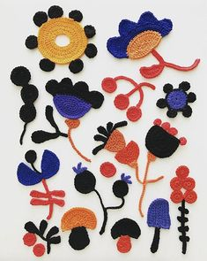 Crochet Flowers Design Crochet Illustrations by Tuija Heikkinen - We're starting off the week with a dose of color in the beautiful crochet illustrations by Textile artist Tuija Heikkinen. Freeform Crochet, Crochet Art, Tapestry Crochet, Crochet Home, Crochet Gifts, Crochet Motif, Easy Crochet, Crochet Stitches, Free Crochet