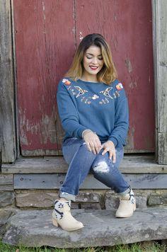 Timeless Optimist blog | fall fashion look: crop sweatshirt + skinny jeans + booties + bayalage hair