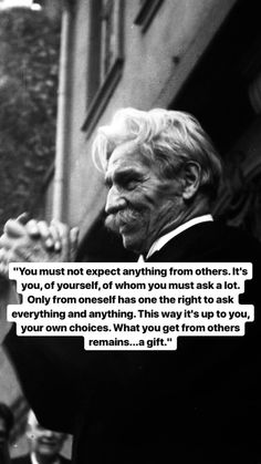 Need nothing from others- Albert Schweitzer Quotable Quotes, Wisdom Quotes, Quotes To Live By, Me Quotes, Motivational Quotes, Inspirational Quotes, Gemini, Poetry Quotes, Beautiful Words