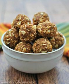 Skinny Pumpkin Energy Bites | 32 Ingenious Ways To Eat Pumpkin All Day Long