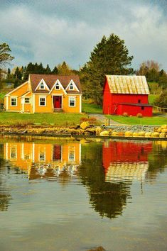Top 16 Things to do in Lunenburg and around Lunenburg Lunenburg Nova Scotia, Stuff To Do, Things To Do, Canadian Travel, Canada Eh, Photo Boards, Newfoundland, Small Towns, East Coast