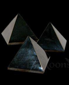 Pyramid, Jet