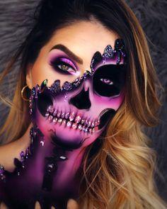 💀💀💀💀💀💀💀 Inspo from the amazing @the_wigs_and_makeup_manager 🙌🏻🙌🏻🙌🏻 . . @karity matte palette @maybelline eyestudios gel liner @anastasiabeverlyhills norvina palette on glam eye @katvondbeauty tattoo liner @evol_uk diamonds for teeth #wakeupandmakeup #makeupideas #inssta_makeup #pittsburghmakeupartist #skullmakeup #wvmakeupartist #maquillaje #universodamaquiagem_oficial #anastasiabeverlyhills #norvina #karity #karitylife #halloween #halloweenmakeup #skeletonmakeup #skeleton…
