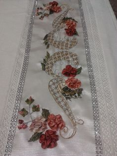 This Pin was discovered by ayl Silk Ribbon Embroidery, Embroidery Patterns, Hand Embroidery, Creative Embroidery, Ribbon Art, Bargello, Fabric Crafts, Decoration, Needlework