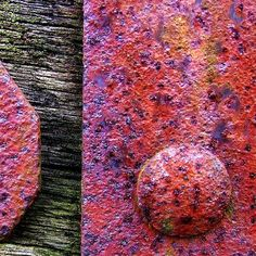 Pink rust and weathered wood. A great combination Rust Never Sleeps, Weathered Paint, Rust In Peace, Peeling Paint, Nature Artwork, Rusty Metal, Abstract Photography, Macro Photography, Rust Color
