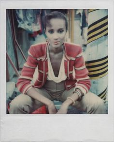 iman looks good even in p-o-l-a-r-o-i-d-s. and she has david bowie. yowza (she probably sold her soul for magic powers, though)