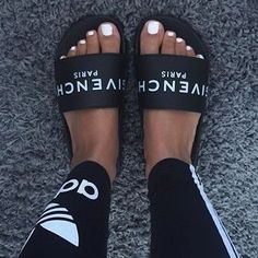 Givenchy  slide sandals @KortenStEiN