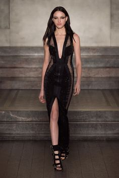 Official website of luxury fashion house Julien Macdonald. Explore latest Collections, catwalk videos, news and more.
