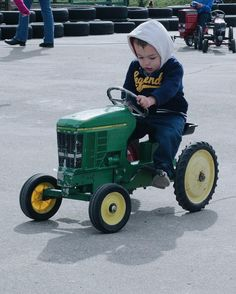 #johndeere #tractor #pushpedal #toy #Fall