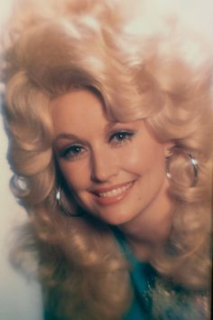 """""""The bigger the hair the bigger the…hoops. Well what did you think I was going to say? Country Singers, Country Music, Beautiful Soul, Beautiful People, Dolly Patron, Dolly Parton Pictures, Feminine Energy, Hello Dolly, Celebs"""