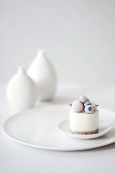Mini frozen yoghurt cakes | Recipe: ourfoodstories | Food. Art + Style. Photography: Laura & Nora |